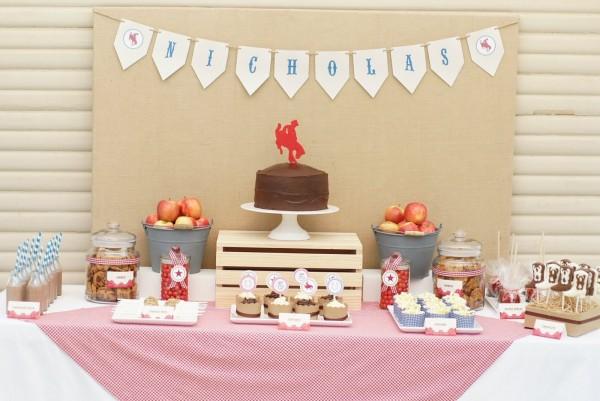 10 rustic kids birthday party ideas rustic baby chic - Como decorar una mesa de comunion ...