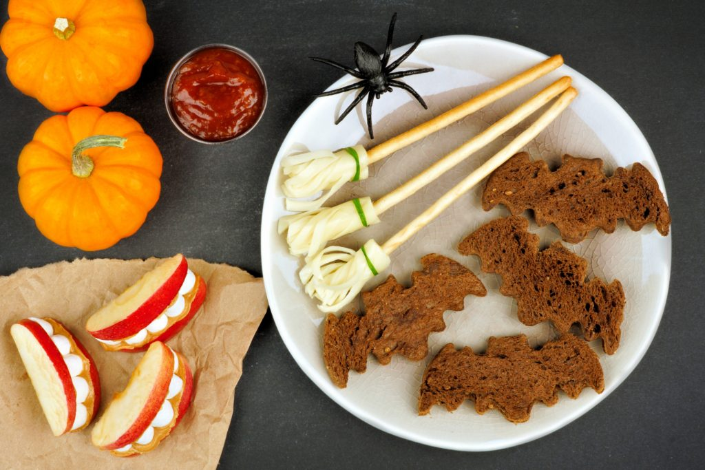 10 Must-Have Things Every Kids Halloween Party Needs